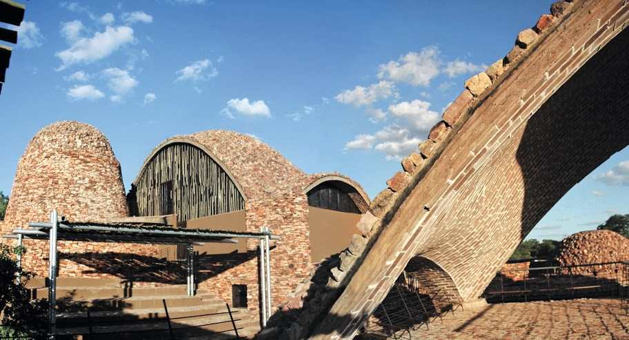 Muzem Mapungubwe Interpretation Centre. Wienerberger Brick Award 2012