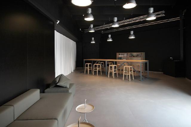 Showroom projektu medusagroup; sala przeznaczona do organizacji warsztatów