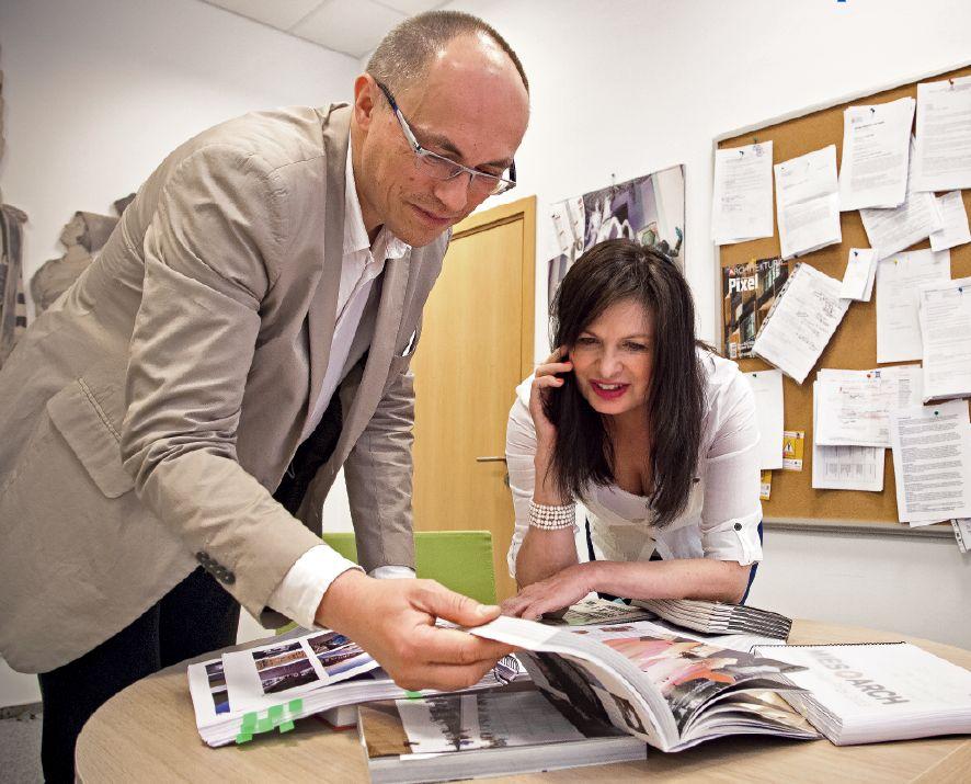"""Ewa P. Porębska i Grzegorz Stiasny. Fot. Kalbar. Więcej o Mies van der Rohe Award w miesięczniku """"Architektura-murator"""" nr 8/ 2013"""