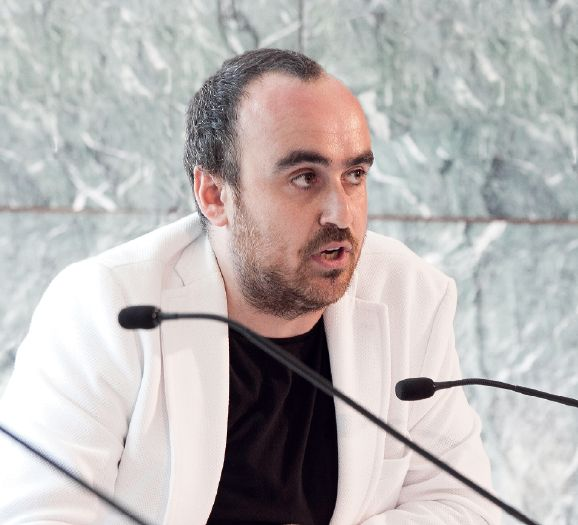 Architekt Ivan Blasi, koordynator debaty Otwieranie nowych horyzontów, fot. serwis prasowy Fundacji Miesa van der Rohe