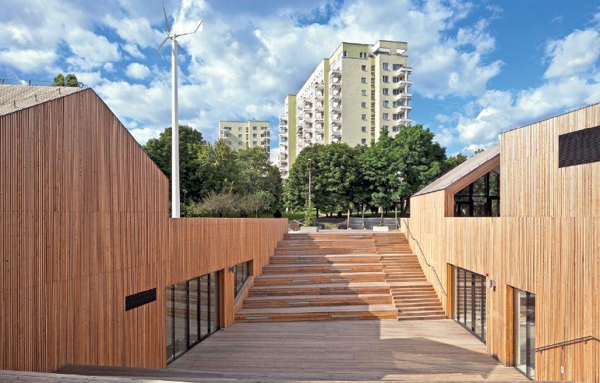 Służewski Dom Kultury, Warszawa. Autorzy: WWAA – architekci Marcin Mostafa,  Natalia Paszkowska; 137kilo – architekt Jan Sukiennik