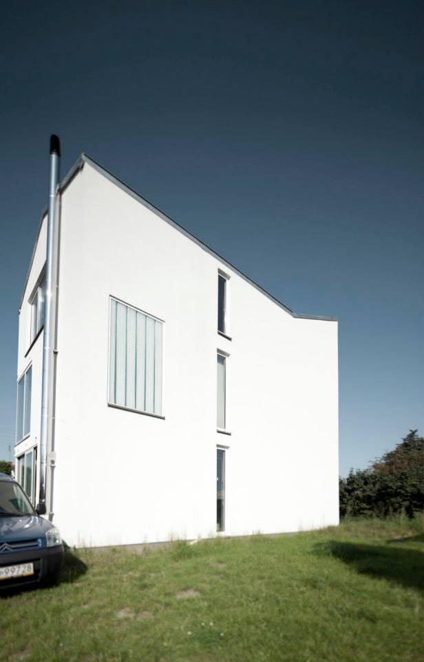 Dom stalowy, Warszawa, projekt 2009, budowa od 2011. +48 Grupa Projektowa