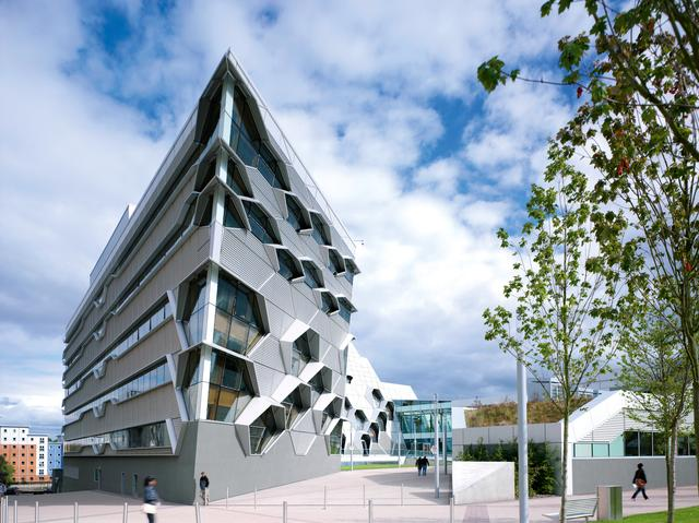 Współczesna architektura Wielkiej Brytanii: nowy budynek Uniwersytetu Coventry