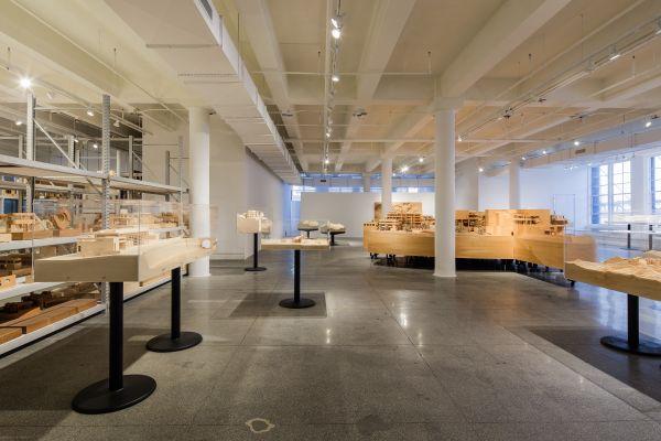richard meier male/Richard Meier Model Museum_04m