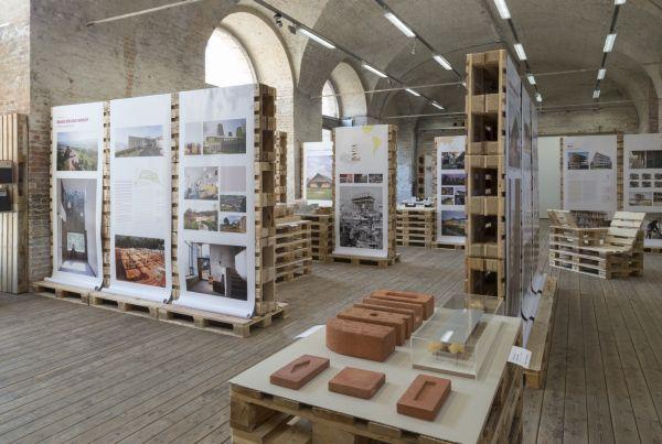 Architektura zrównoważona, wystawa Think global, build social