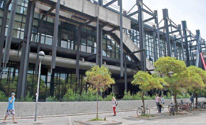 Budynek Wydziału Architektury Politechniki w Mediolanie