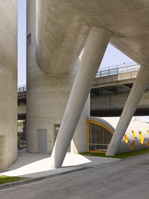 Brutalizm, surowy beton