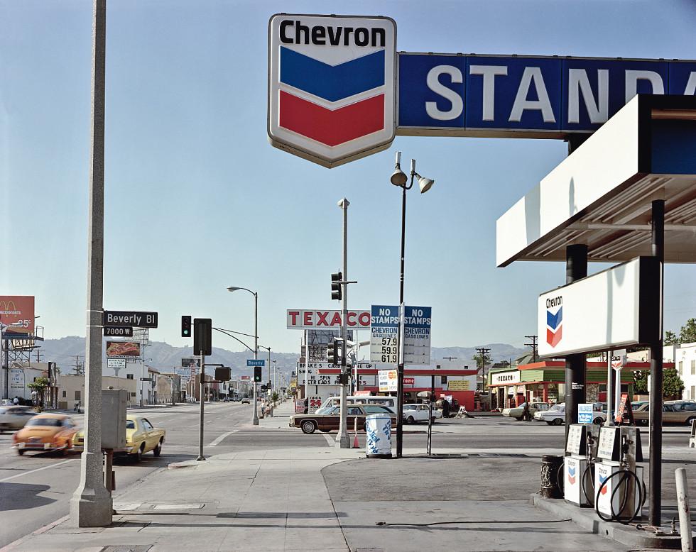 Stephen Shore, Beverly Boulevard and La Brea Avenue