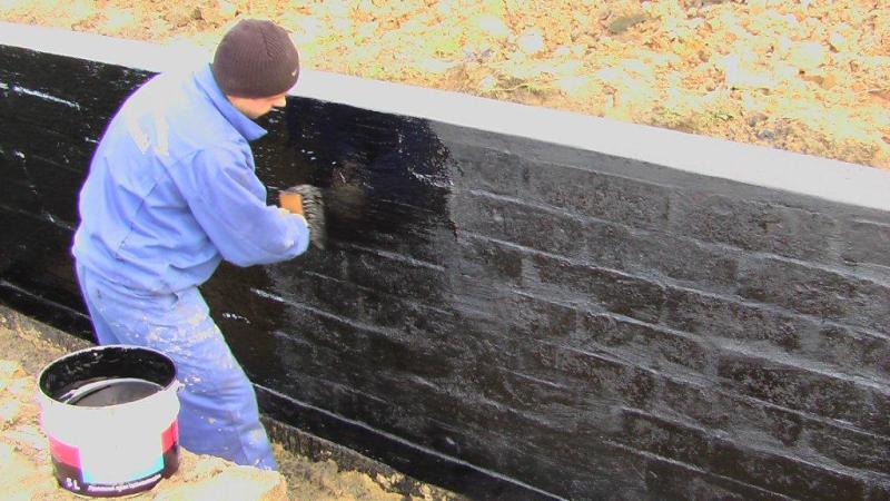 Ściana fundamentowa izolacja pionowa