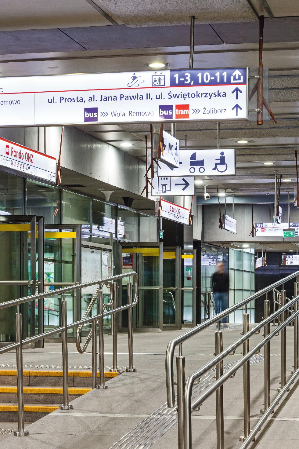 Stacja Rondo ONZ