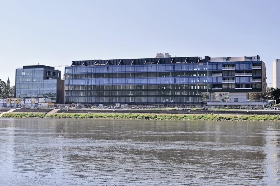 Budynki WTW i The Tides nad Wisłą