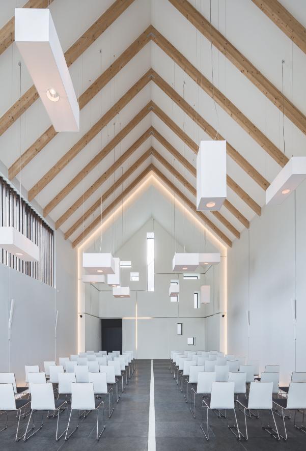 Dom pogrzebowy na Służewiu. Duża kaplica