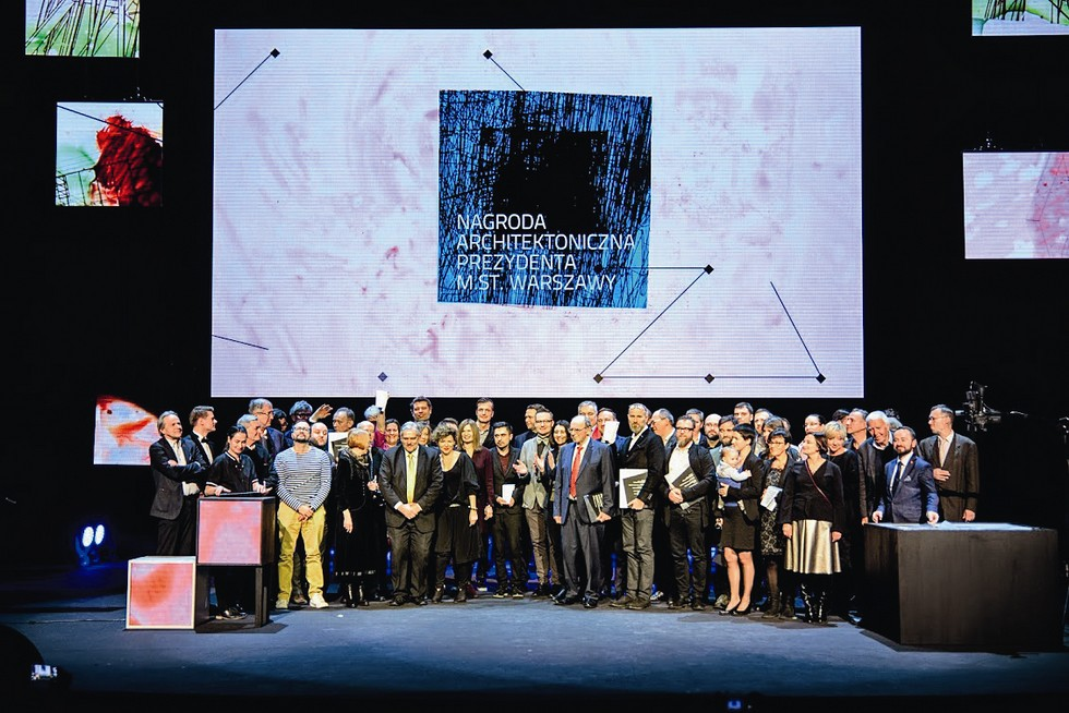 Laureaci, jurorzy i organizatorzy Nagrody Architektonicznej Prezydenta m.st. Warszawy
