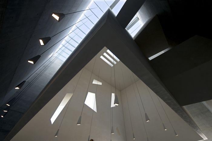 Kompleks parafialny – kościół, dom parafialny, kaplica