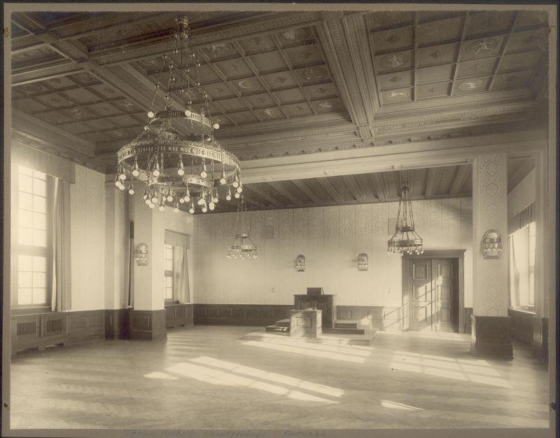fotka z /zdjecia/Gmach_Glowny_PWr_1910_art.jpg