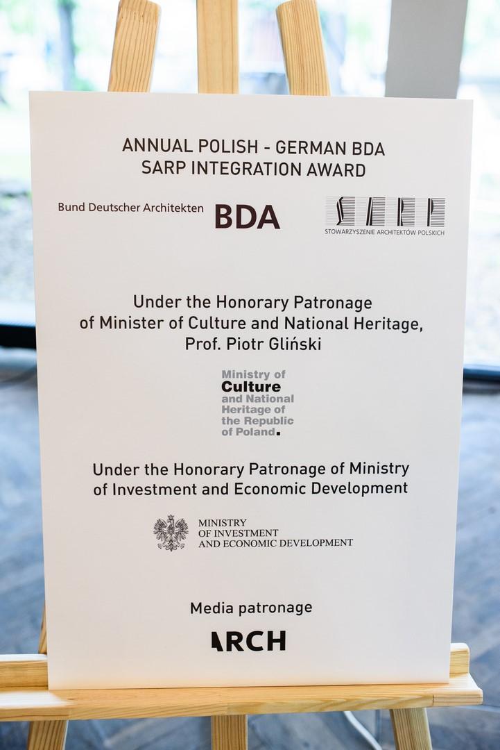 Honorowy Patronat Wiceprezesa Rady Ministrów, Ministra Kultury i Dziedzictwa Narodowego Prof. Piotra Glińskiego oraz Ministerstwa Inwestycji i Rozwoj