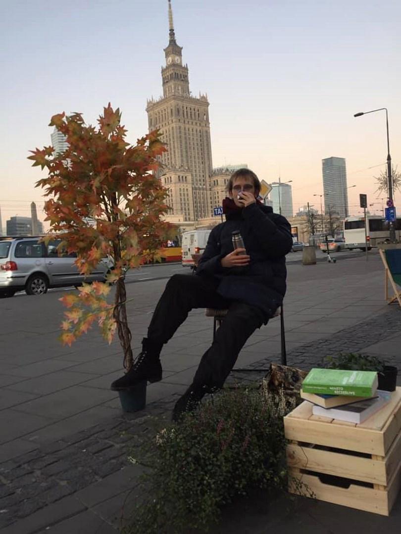 Zimowa strefa relaksu przed Rotundą – aktywiści pomagają miastu!