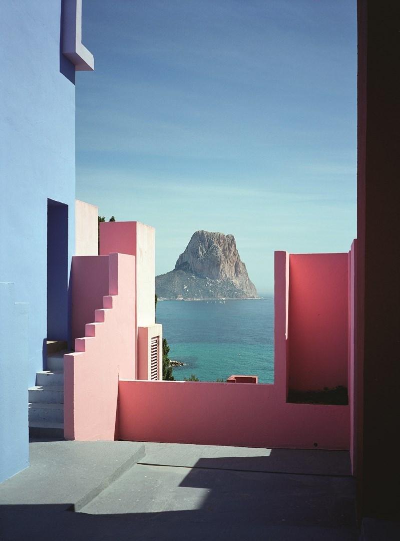 Muralla_Roja_Calpe_Spain_Ricardo_Bofill_Taller_Arquitectura_19h (Copy) (Copy)