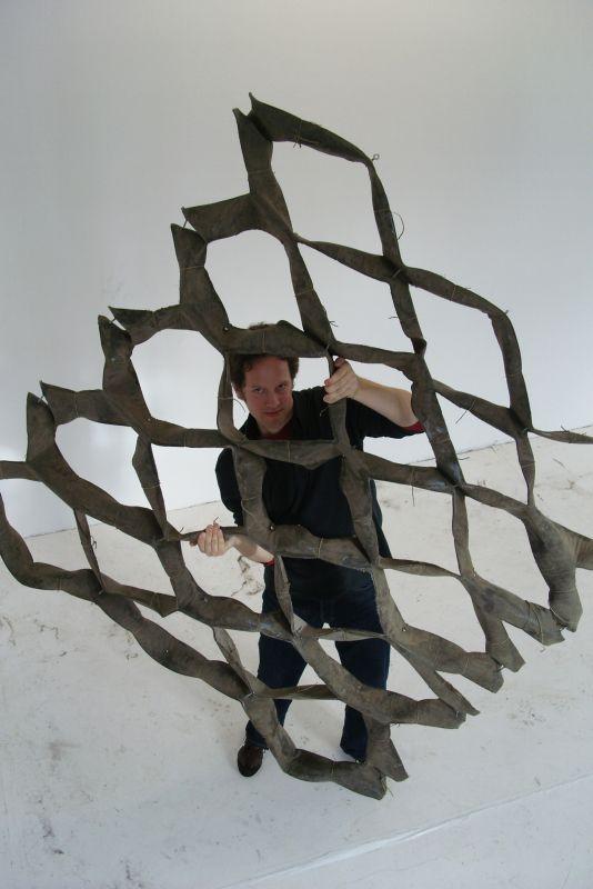 fotka z /zdjecia/Stretched_Pavilion_prototype3_Jakub_Szczesny_Schloss_Solitude_2010_3.jpg