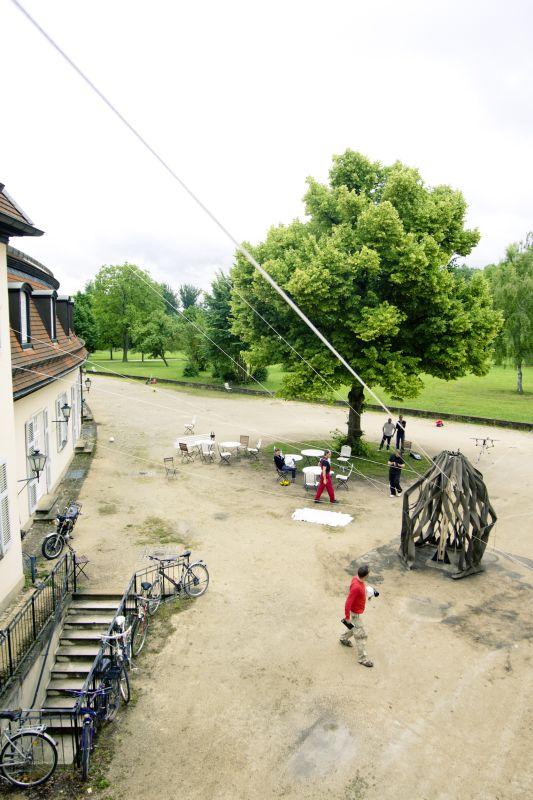 fotka z /zdjecia/Stretched_Pavilion_Schloss_Solitude_june_2011_jakub_szczesny_photo_Rolf_Wohrle_15.jpg