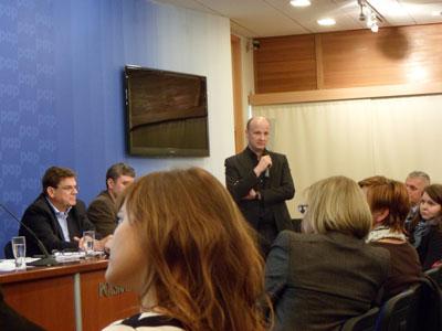 Konferencja - Christian Kerez przedstawia swoje stanowisko