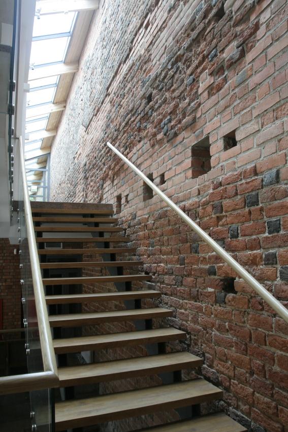 Dom Mały Zamku w Ciechanowie - schody na piętro
