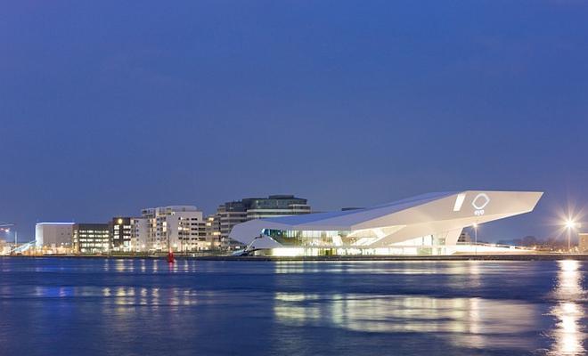 Nowa siedziba Instytutu Filmowego EYE w Amsterdamie
