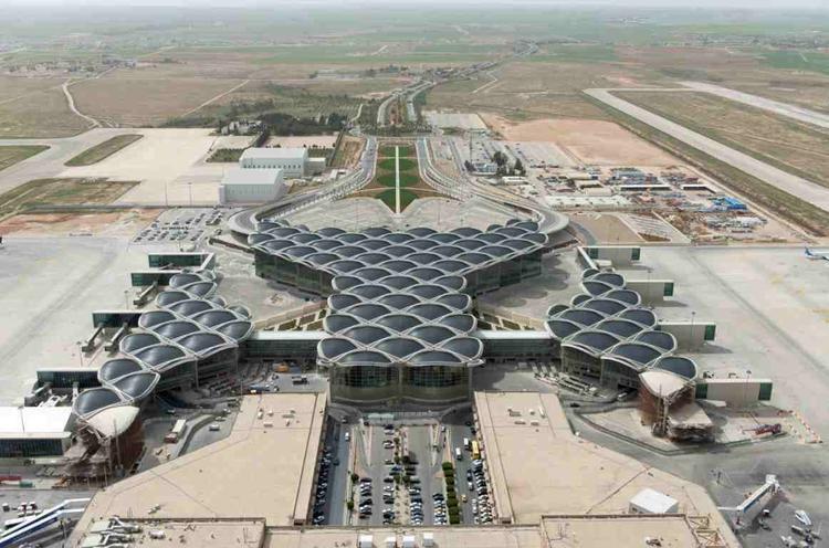 Lotnisko im. Królowej Alii - największe lotnisko w Jordanii. Projekt powstał w pracowni Normana Fostera - Foster + Partners