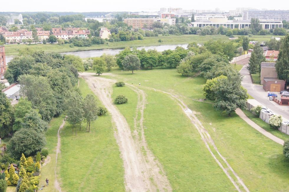 Do lat 60. ubiegłego wieku Warta powodowała regularnie powodzie w Poznaniu