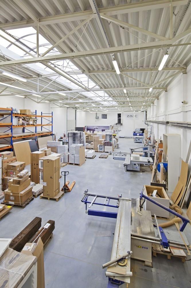 ZAJC Kuchnie: część produkcyjna nowego budynku.Fot. IPNOTIC ARCHITECTURE, © fotoarchitektura