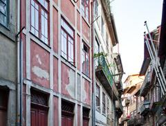 Rewitalizacja Porto. Jak uratować pustoszejące miasto? Relacja z Portugalii