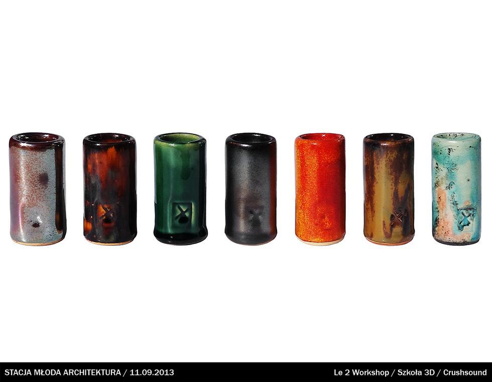 Slide - ceramiczna rurka nakładana na palec w czasie gry na gitarze; Jędrzej Lewandowski