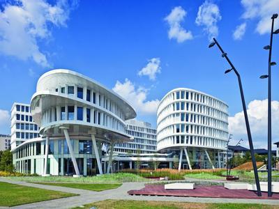 Business Garden. Biurowiec i hotel w Warszawie