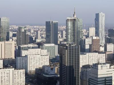 Wieżowce w Warszawie: apartamentowiec Cosmopolitan Helmuta Jahna i Złota 44 Daniela Libeskinda
