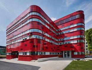 Regionalne Centrum Krwiodawstwa i Krwiolecznictwa w Raciborzu. FAAB Architektura Białobrzeski | Figurski