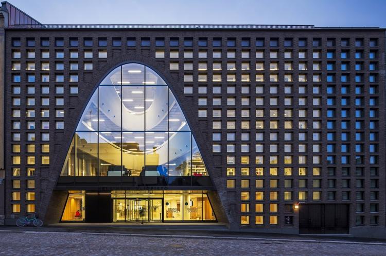 Biblioteka uniwersytecka w Helsinkach, architektura fińska