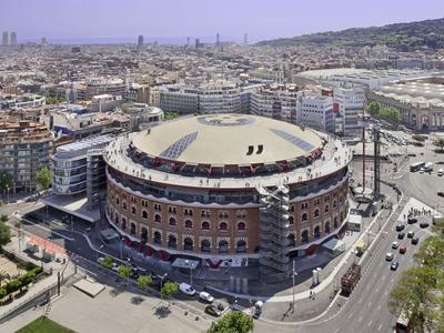 Centrum handlowo-rozrywkowe Las Arenas w Barcelonie