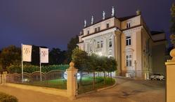 Hotel Platinum Palace