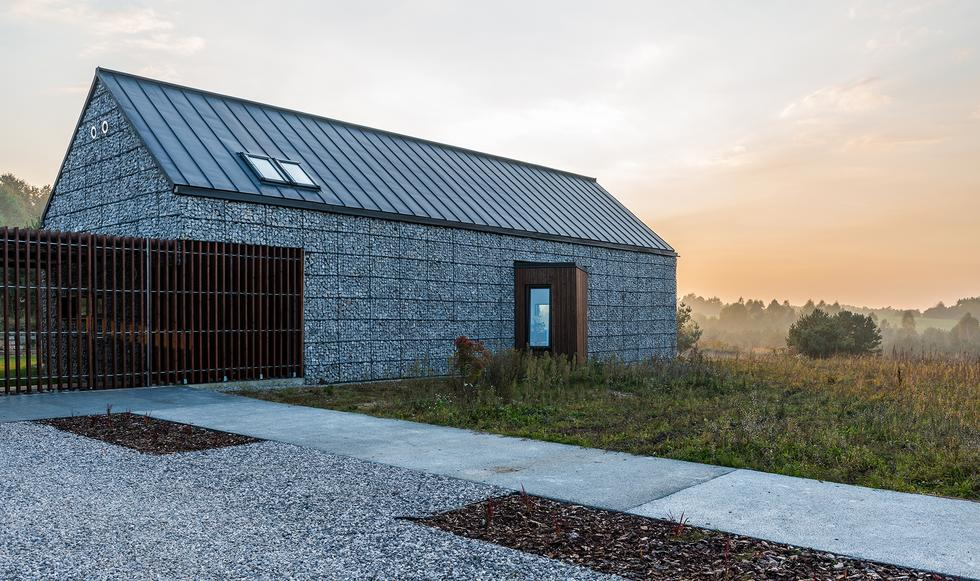 Dom na Jurze, Kropka Studio