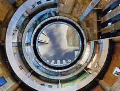 Fotografia w służbie architektury?