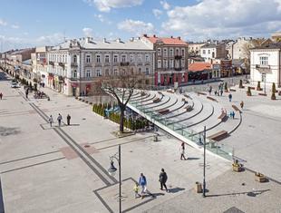 Rynki, place i... donice – nowy miejski krajobraz Polski