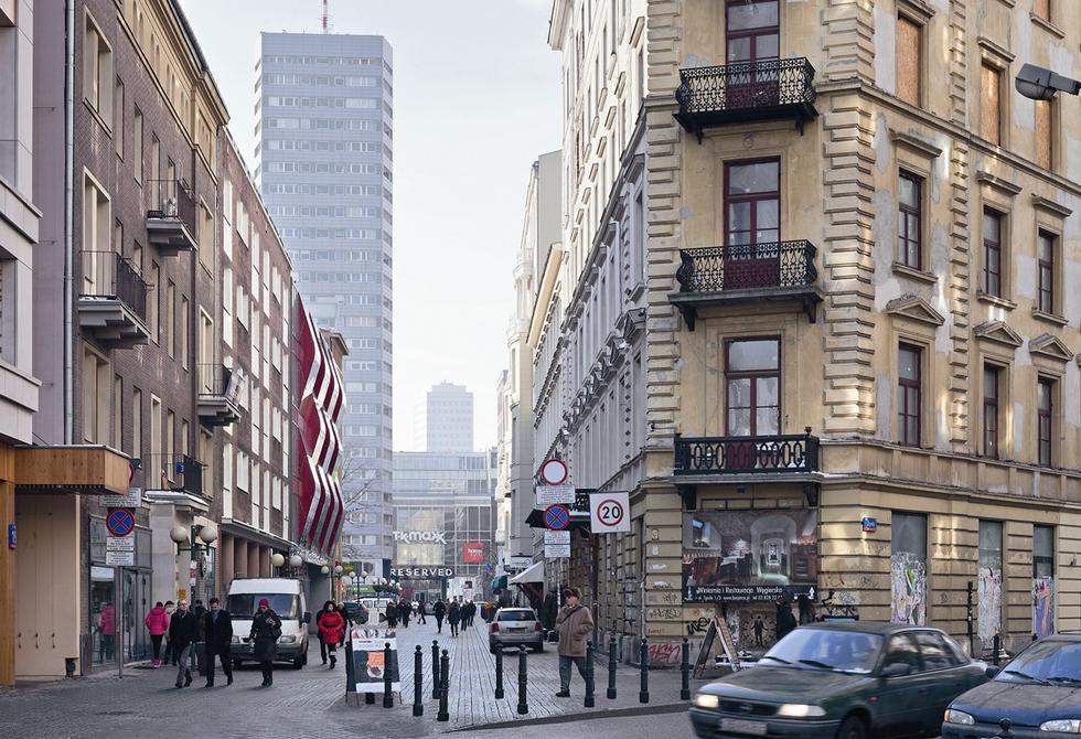 Budynek biurowo-usługowy Chmielna 25