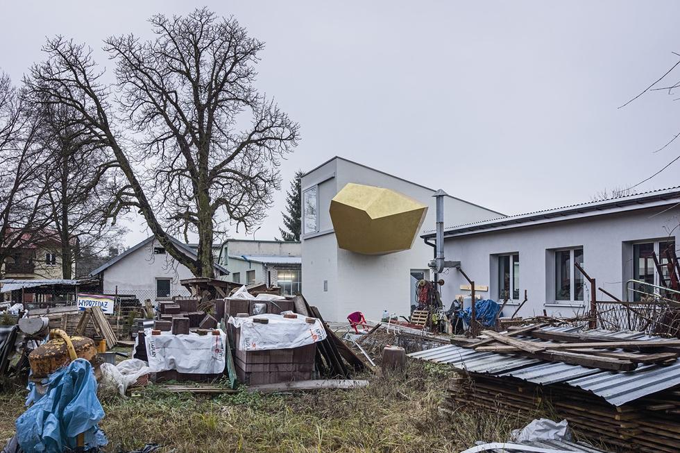 Dom z pracownią artysty na Wesołej