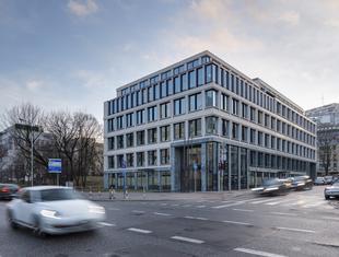 Ukłon w stronę modernizmu. Budynek biurowy Carpathia