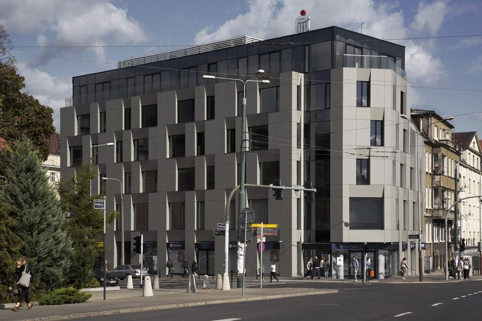 Budynek mieszkalno-usługowy w Poznaniu