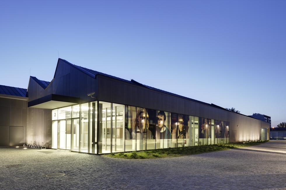 Szkło we współczesnej architekturze - MOCAK i Podziemia Rynku w Krakowie