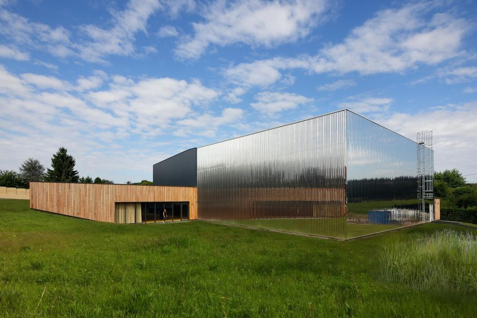 Kompleks budynków edukacyjnych w Ville-du-Bois