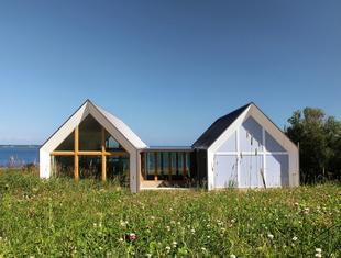 Bliźniak - nietypowy pomysł na nadmorski dom letni