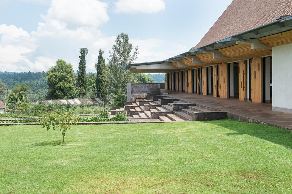 Exterior view of integrated terraced landscaping_-RAernout Zevenbergen (Copy)