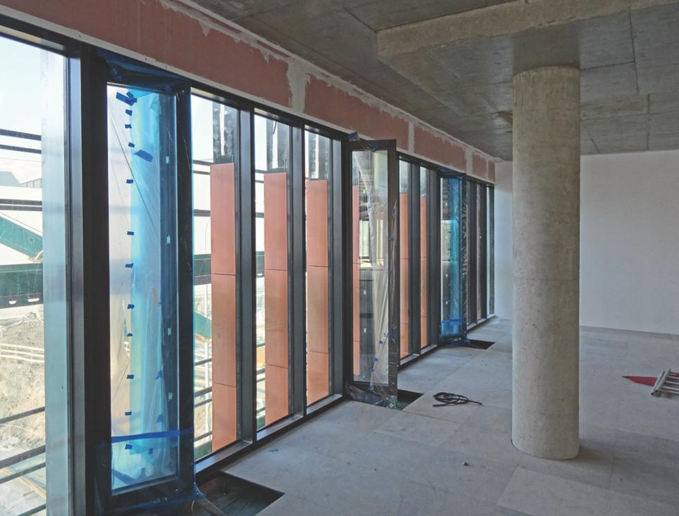 Ceramiczne moduły żyletek montowano w profilach aluminiowych